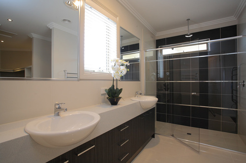 Medium dimensionhomesdisplay bathroom